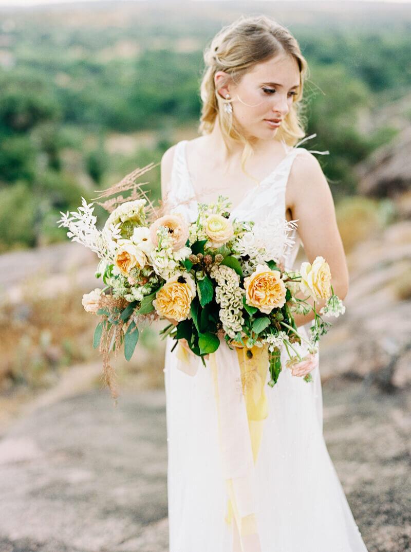 enchanted-rock-bridal-shoot-25.jpg