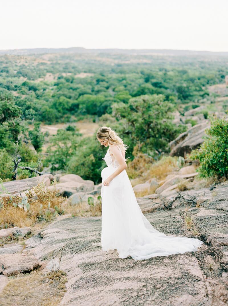 enchanted-rock-bridal-shoot-24.jpg