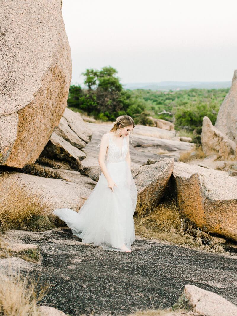 enchanted-rock-bridal-shoot-3.jpg
