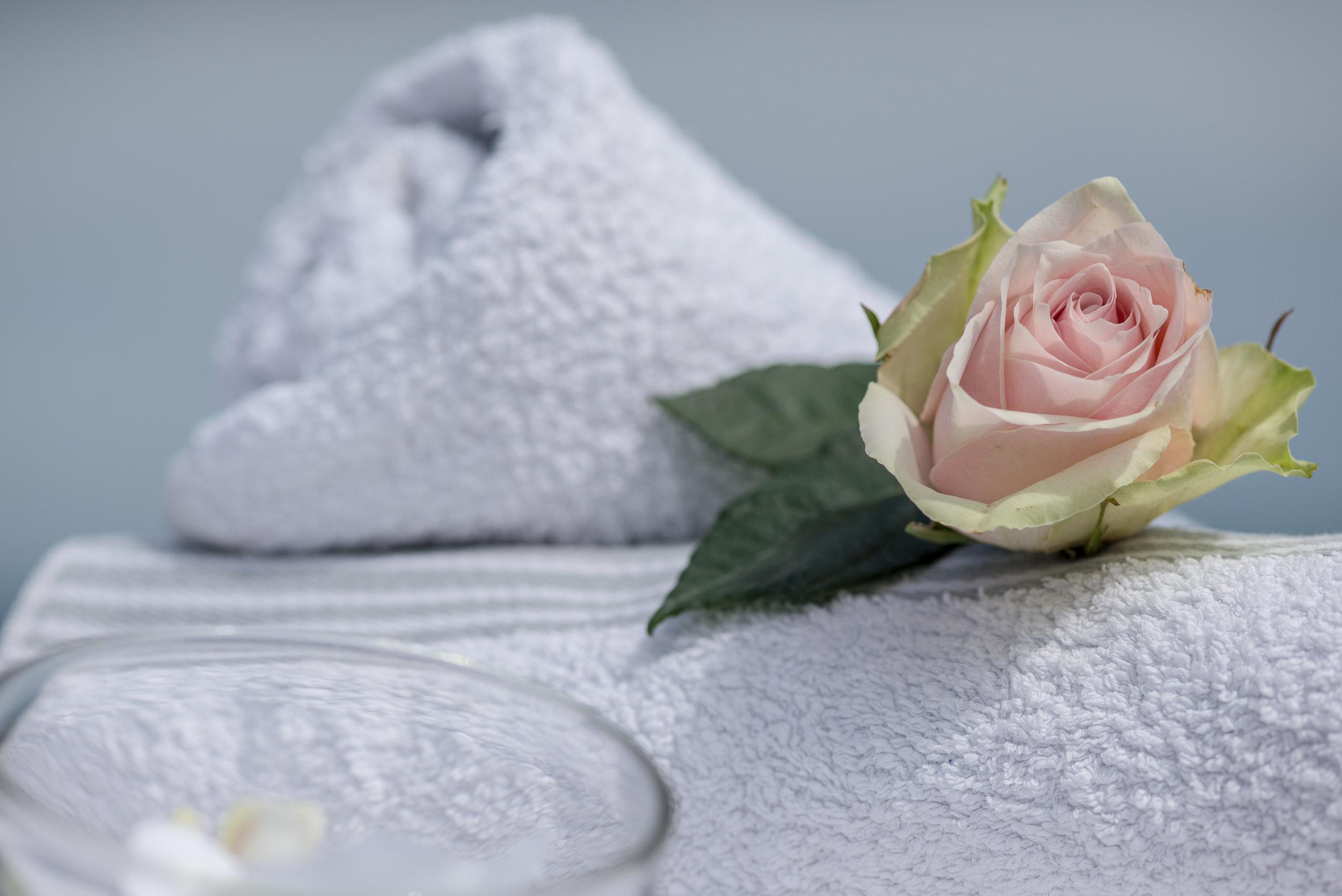 bihai-massages-biarritz-paris-pays-basque-abonnement-annuel-sur-mesure-massage-a-domicile-en-cabinet.jpg
