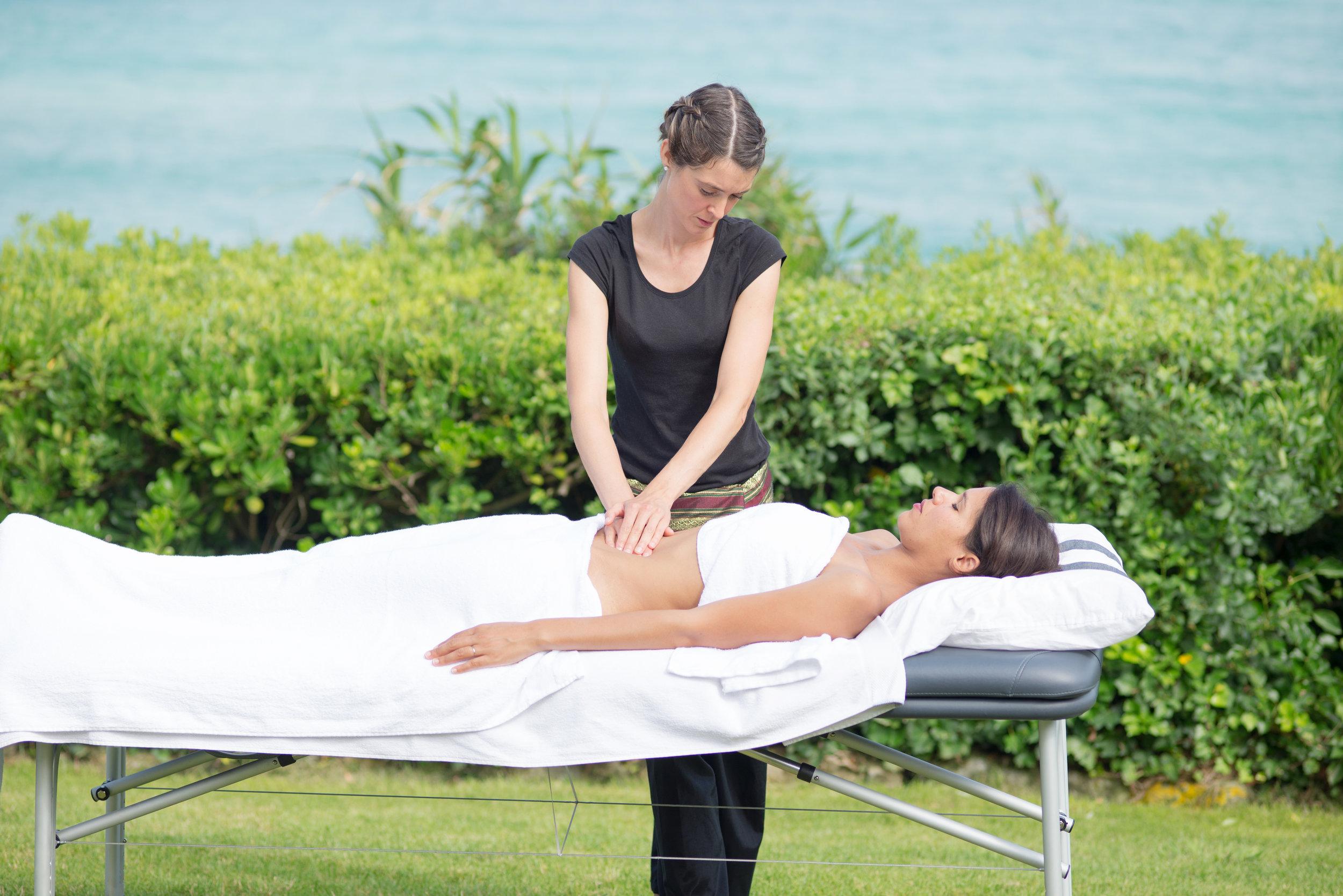 Massage du ventre Côte Basque