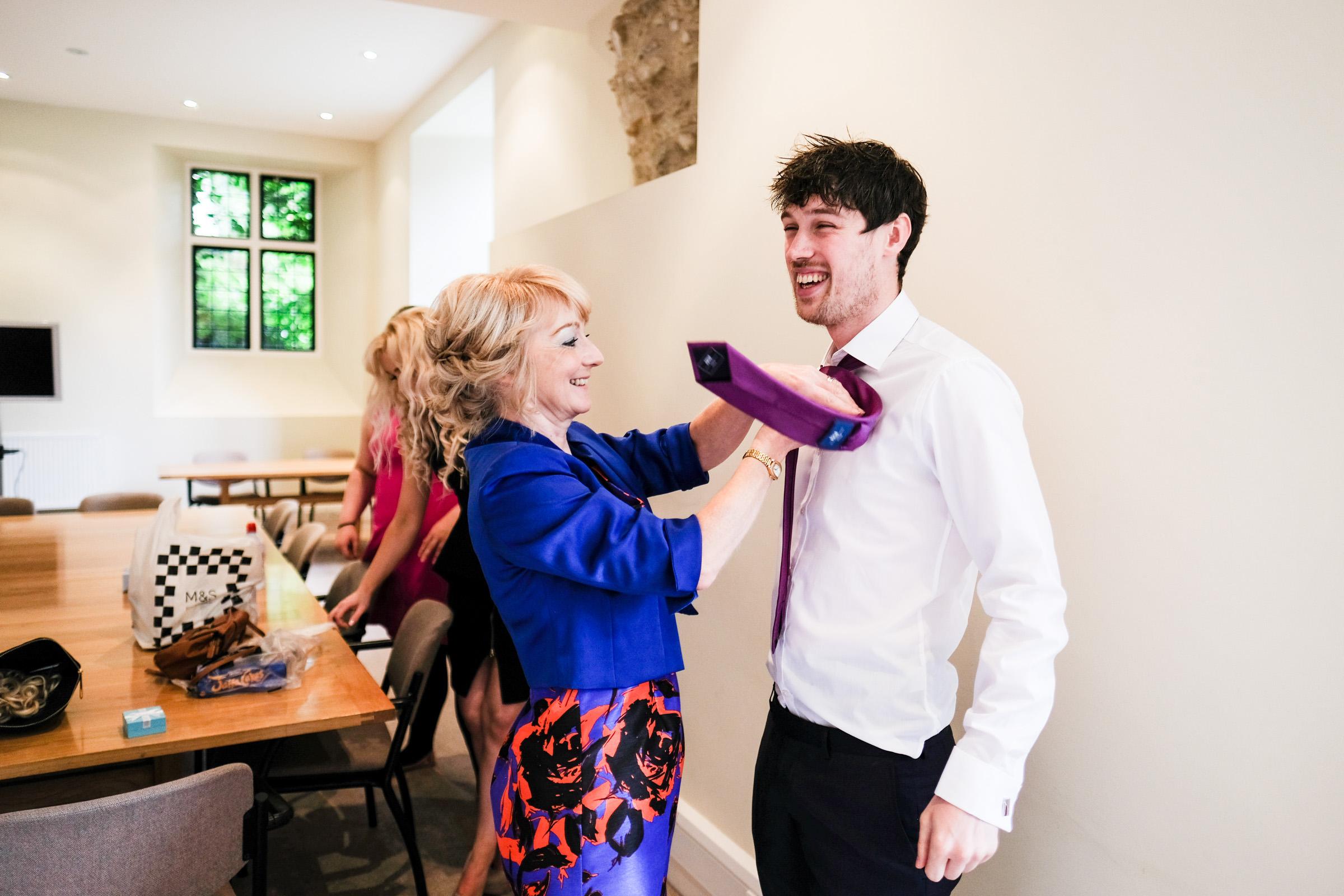 Wedding Photography at Farnham Castle 004.jpg