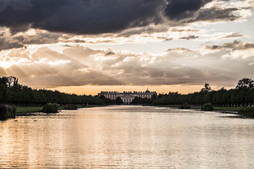 hampton-court-palace-golf-club-wedding-photography-surrey-1.jpg
