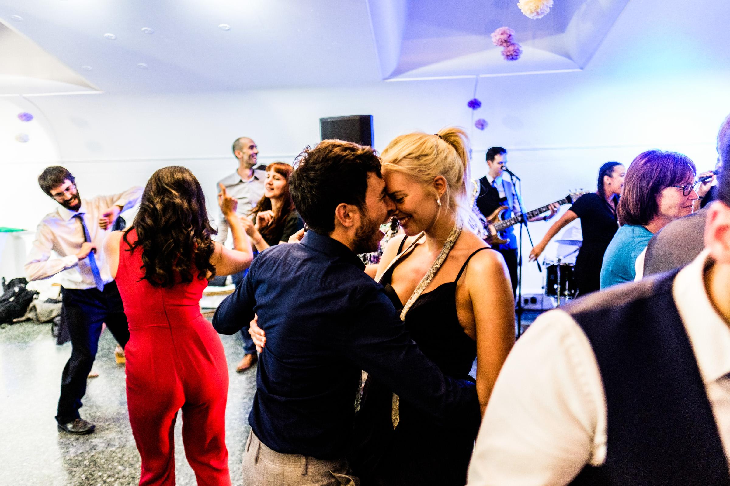 Wedding+Photography+At+The+Art+Pavilion+Mile+End+029.jpg