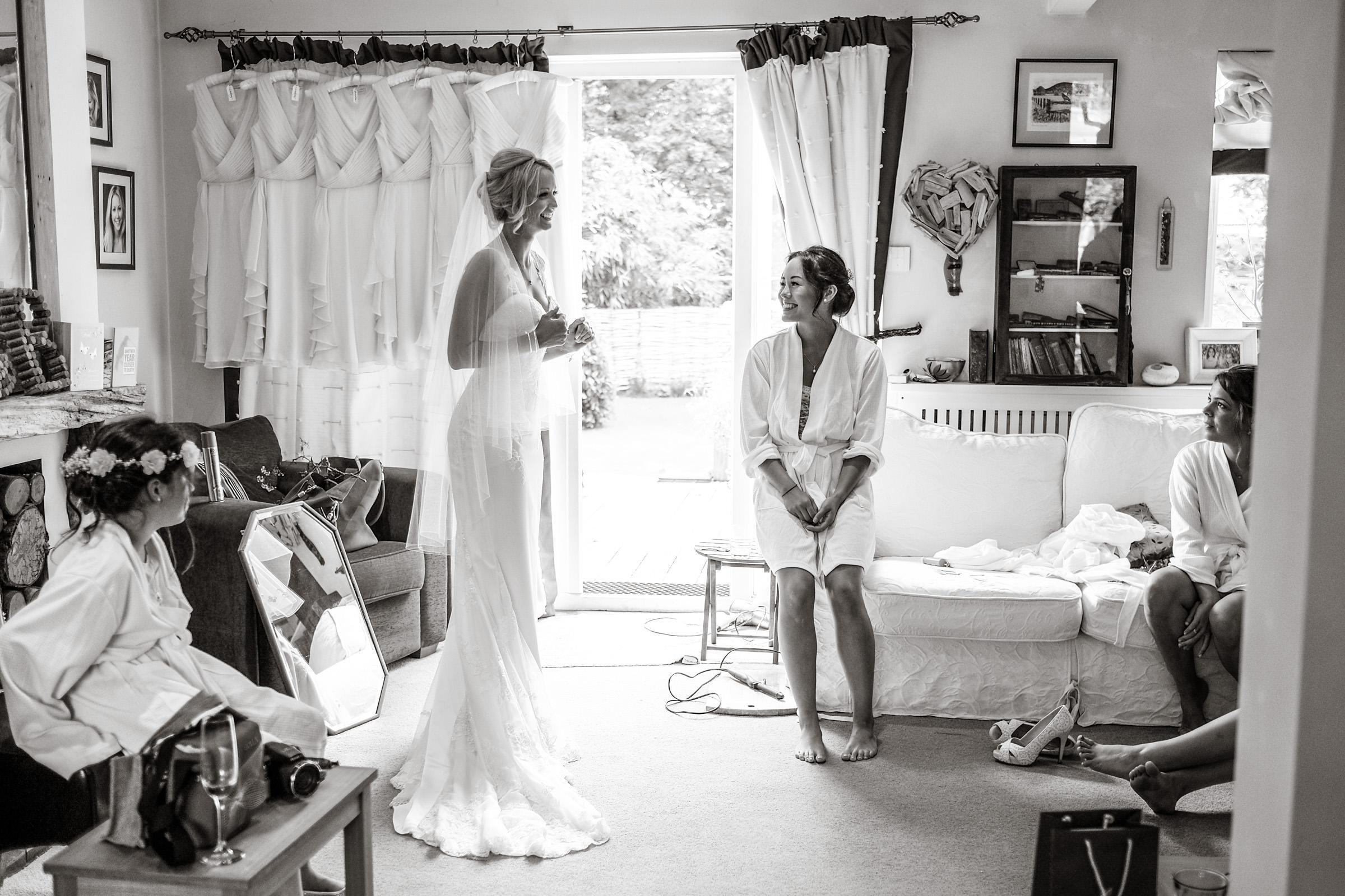 Wedding+at+Parkside+School+in+Surrey+008.jpg