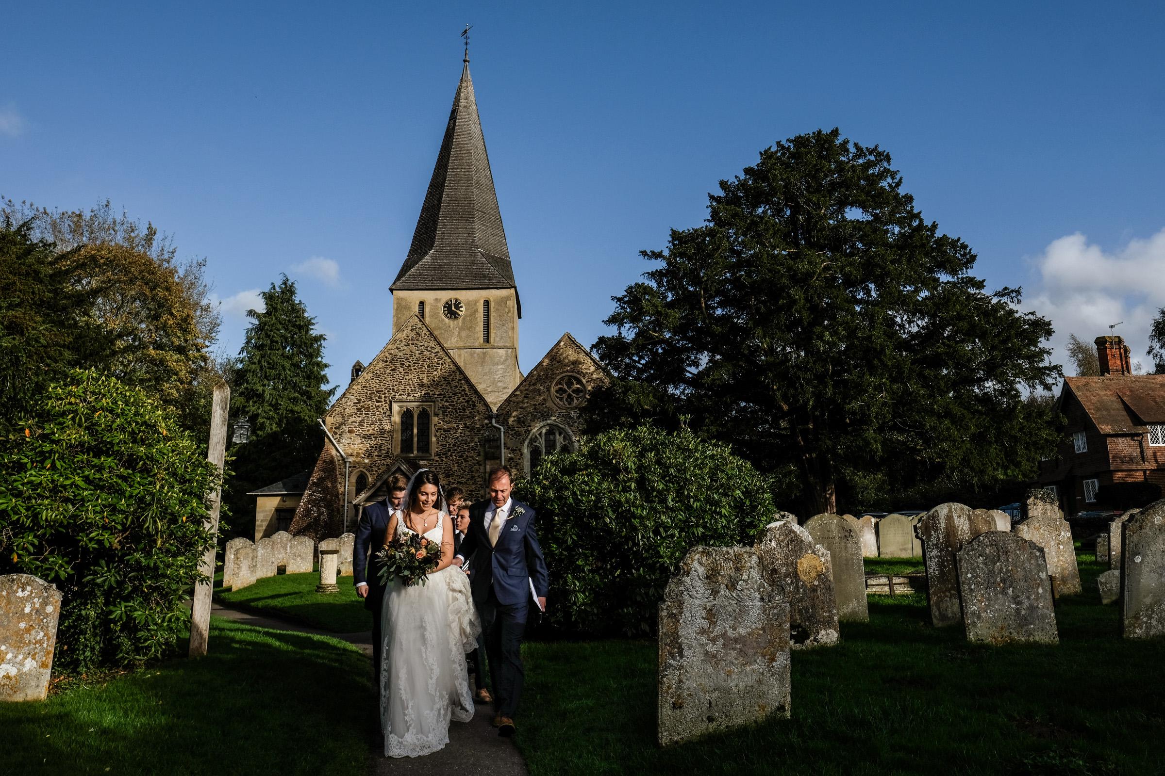Talbot+Inn+Wedding+Photos+Surrey+023.jpg