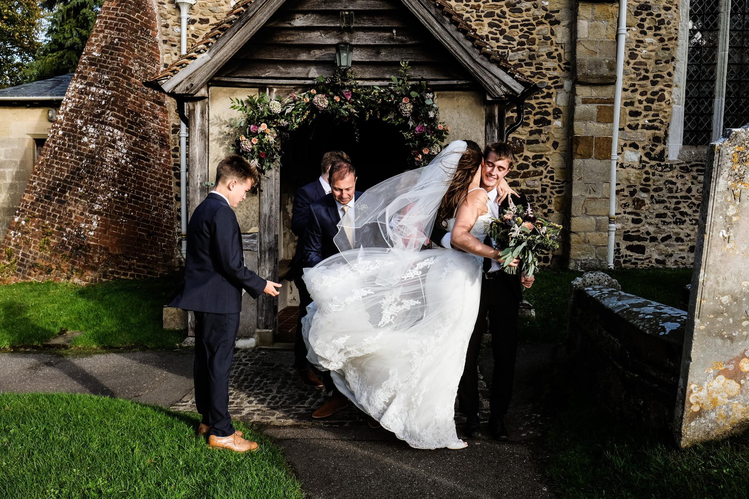 Talbot+Inn+Wedding+Photos+Surrey+022.jpg