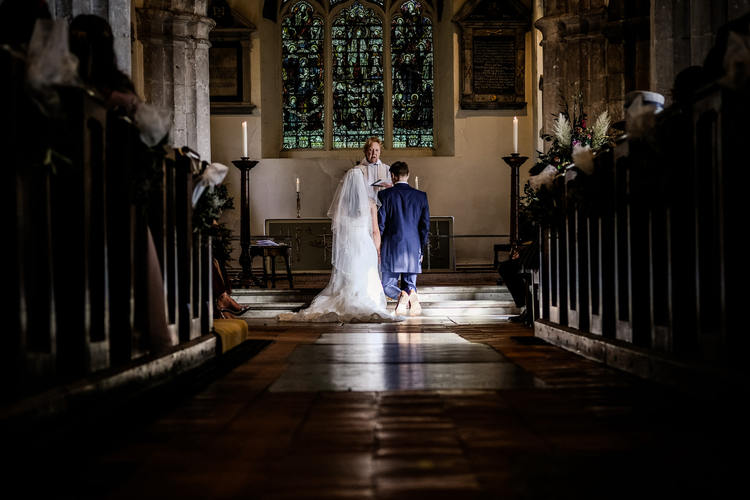 Talbot+Inn+Wedding+Photos+Surrey+011.jpg