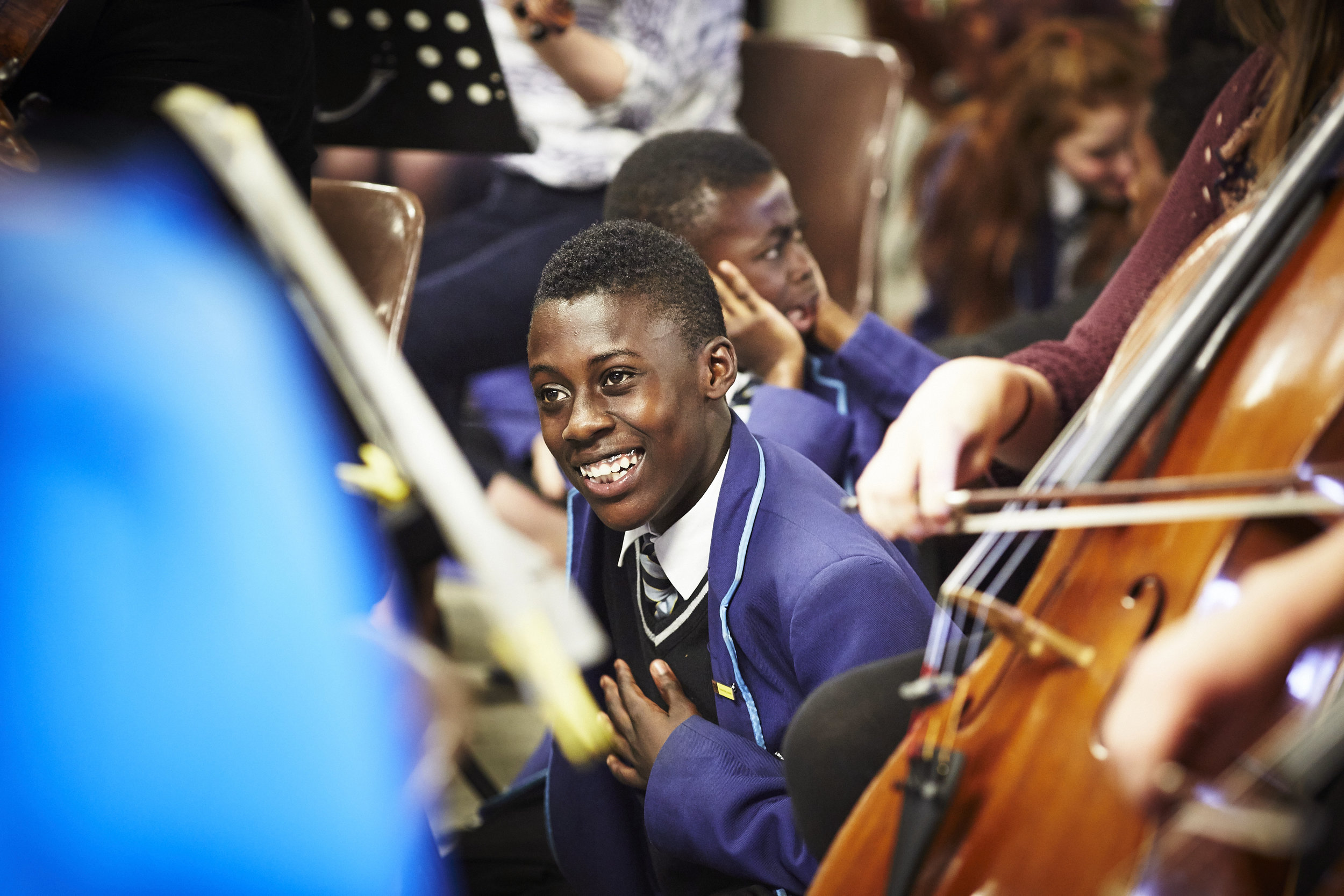 Student from Harris Academy Peckham sits in The Multi-Story Orchestra (c) Ambra Vernuccio