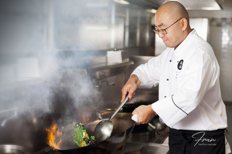 sifu-restaurant-chef-cooking.jpg