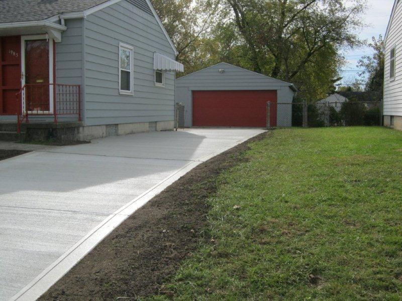 residential-concrete-driveway.jpg