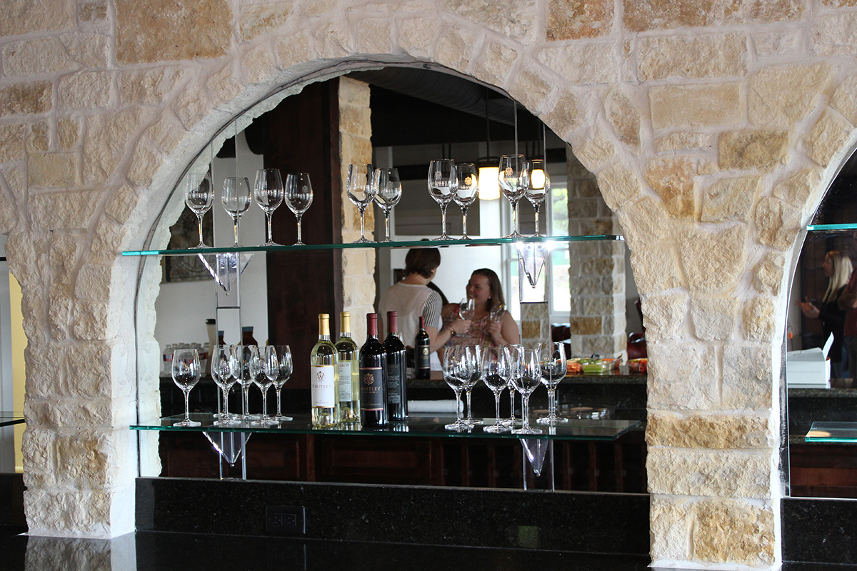 wine_bar_montgomery_tx.jpg