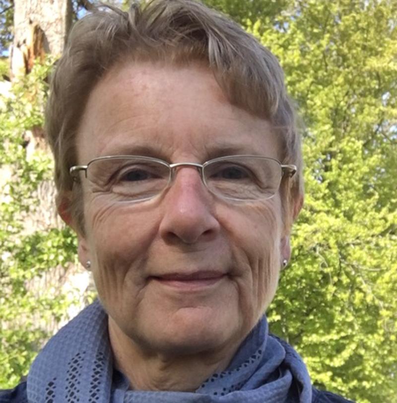 - Kristina Skar WesterlindJag är bosatt i Säffle och varit 2 år på Kyrkeruds folkhögskola efter pension. Jag tycker om att arbeta med de flesta tekniker. tlf: +46(0)730609208, epost: skawe@telia.com
