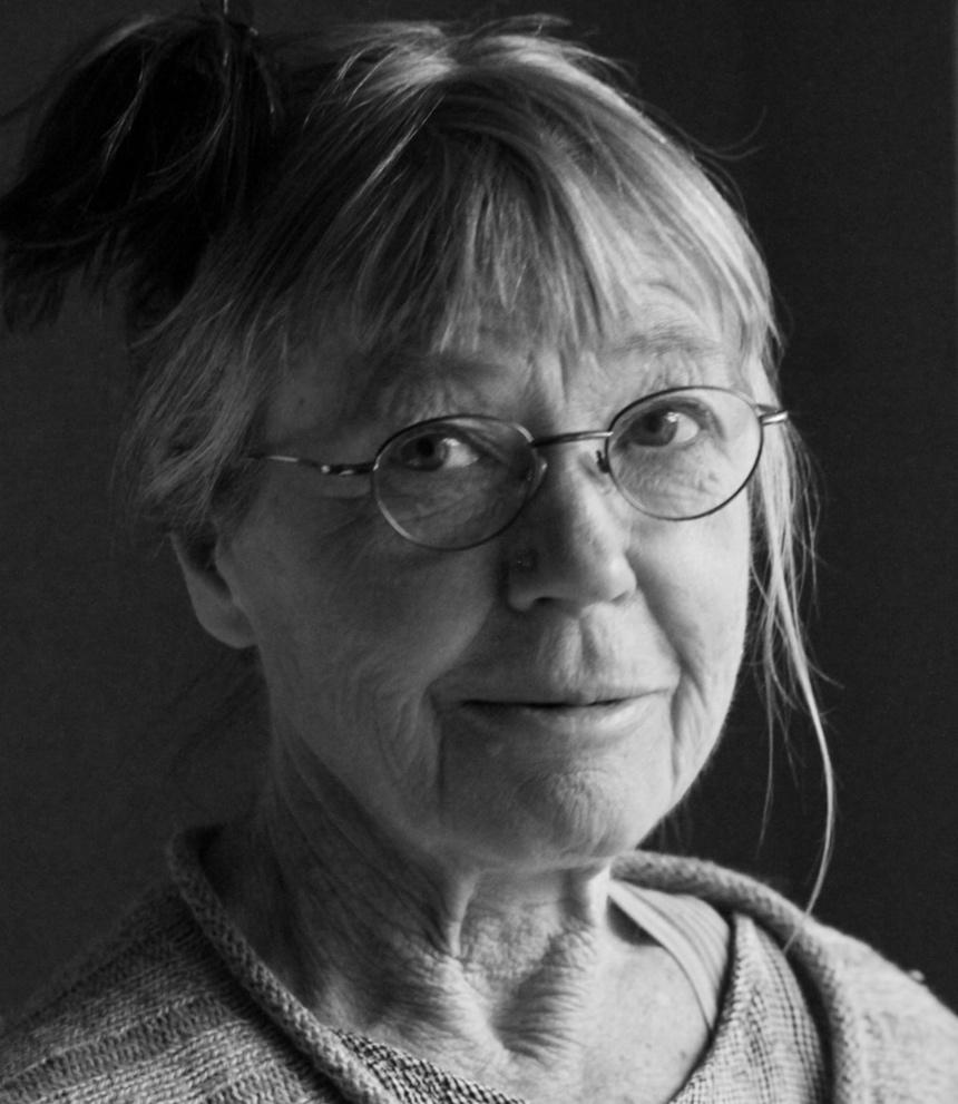 - Stina StåhlJag bor på Skaftö, Lysekil. Lusten är min drivkraft och den uttrycker jag ofta skulpturalt framför allt i lera. Ord som inspirerar är rörelse, känsla och förgänglighet. tlf: +46(0)707-17 32 12, epost: stina.stahl@gmail.com