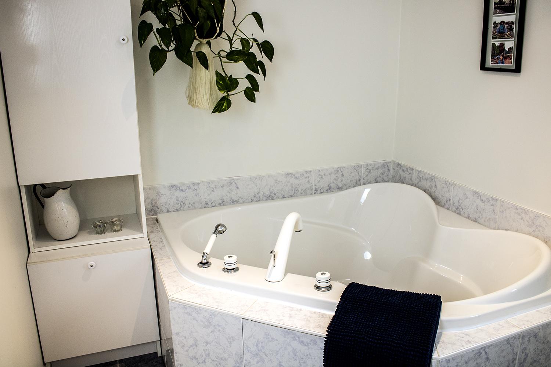 R-Salle de bain PETITE.jpg