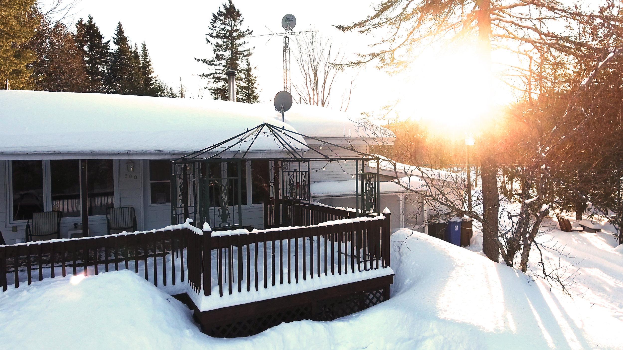 R-Maison Face Soleil Couchant Chalet à Louer Lanaudière lac quebec .jpg