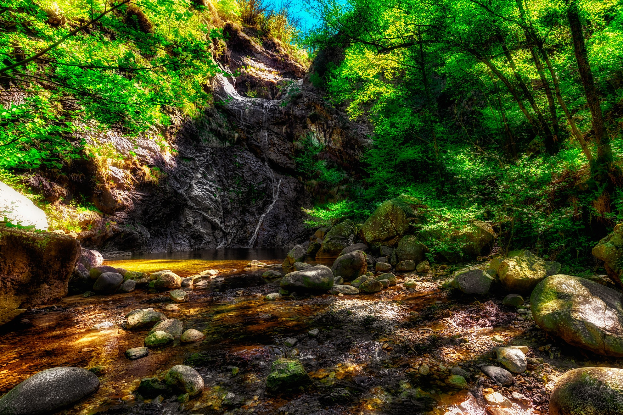 Waterfall on Pescone, Piemonte, Italia