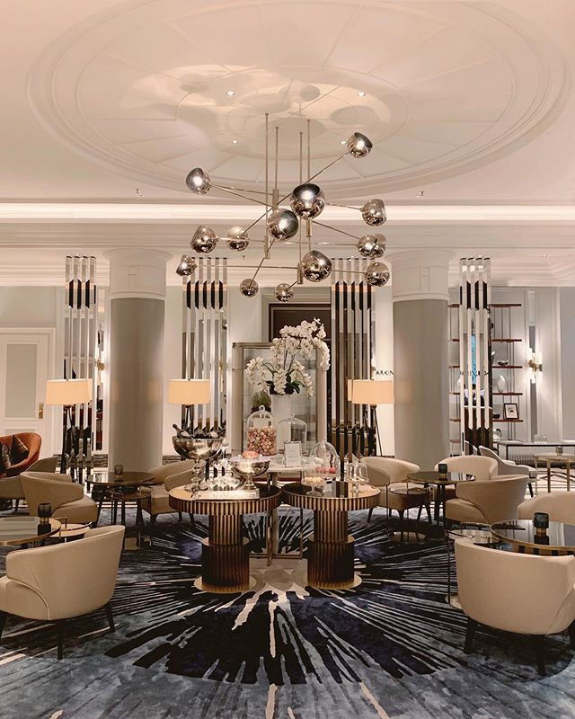 Following a 40million euro renovation, The glamour of the @ritzcarltonberlin is now being felt throughout the whole property more than ever. First stop, the lobby area which is styled like an early-20th-century literary salon, the touch of gold artefacts and colour throughout the design reflects this lavish lifestyle portrayed by the @ritzcarlton brand. #rcmemories 📸 @tripserto