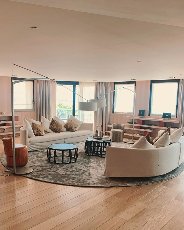 The best way to enjoy Cannes is to experience the presidential suite of @jwmarriottcannes  Immense living room space overlooking La Croisette. What more can you ask for? 😁 📸 @tripserto