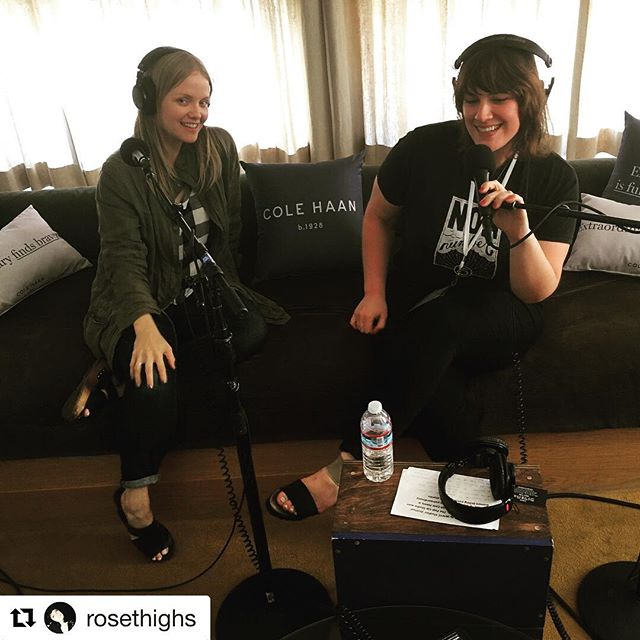 Talking Bombshell and lots more with Emilyyyyy ❤️😈❤️😈 Repost @rosethighs (@get_repost) ・・・ with my own personal cult leader & author of @bombshellbook 😎😎at WERK IT. special 10 minute ep 🆙🆒🆕▶️ #WomenPodcasters