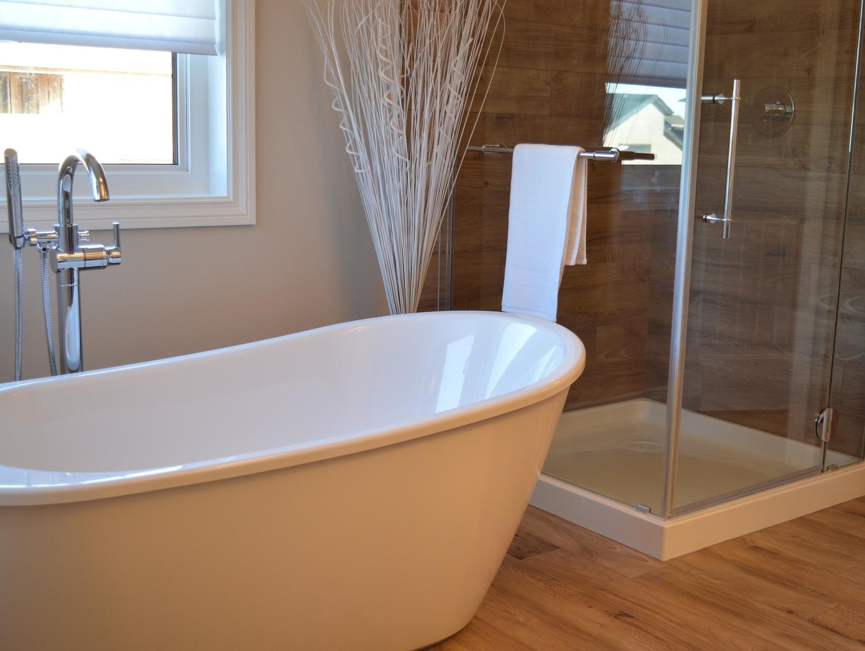bathtub-1078929_1920.jpg