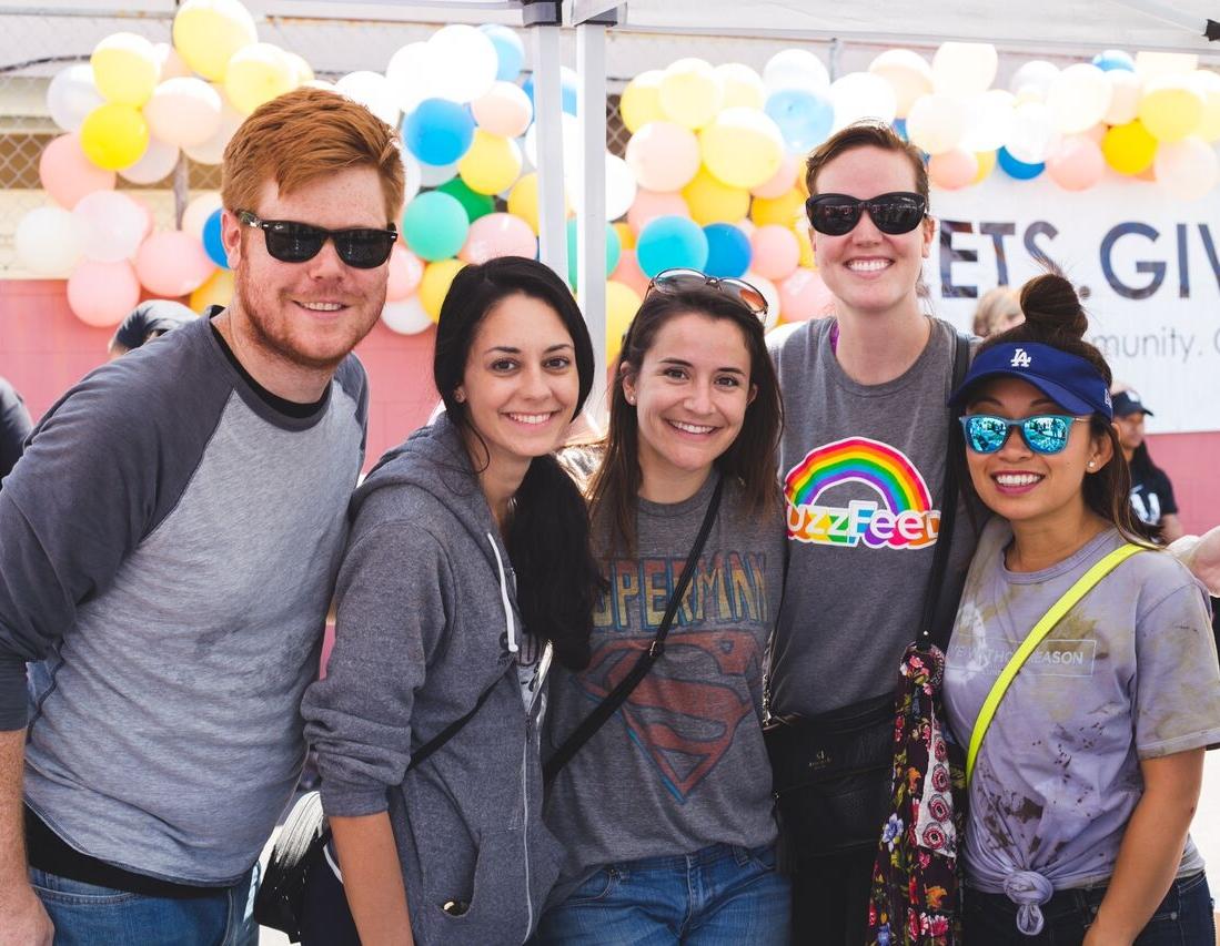 BuzzFeed Employees Volunteering