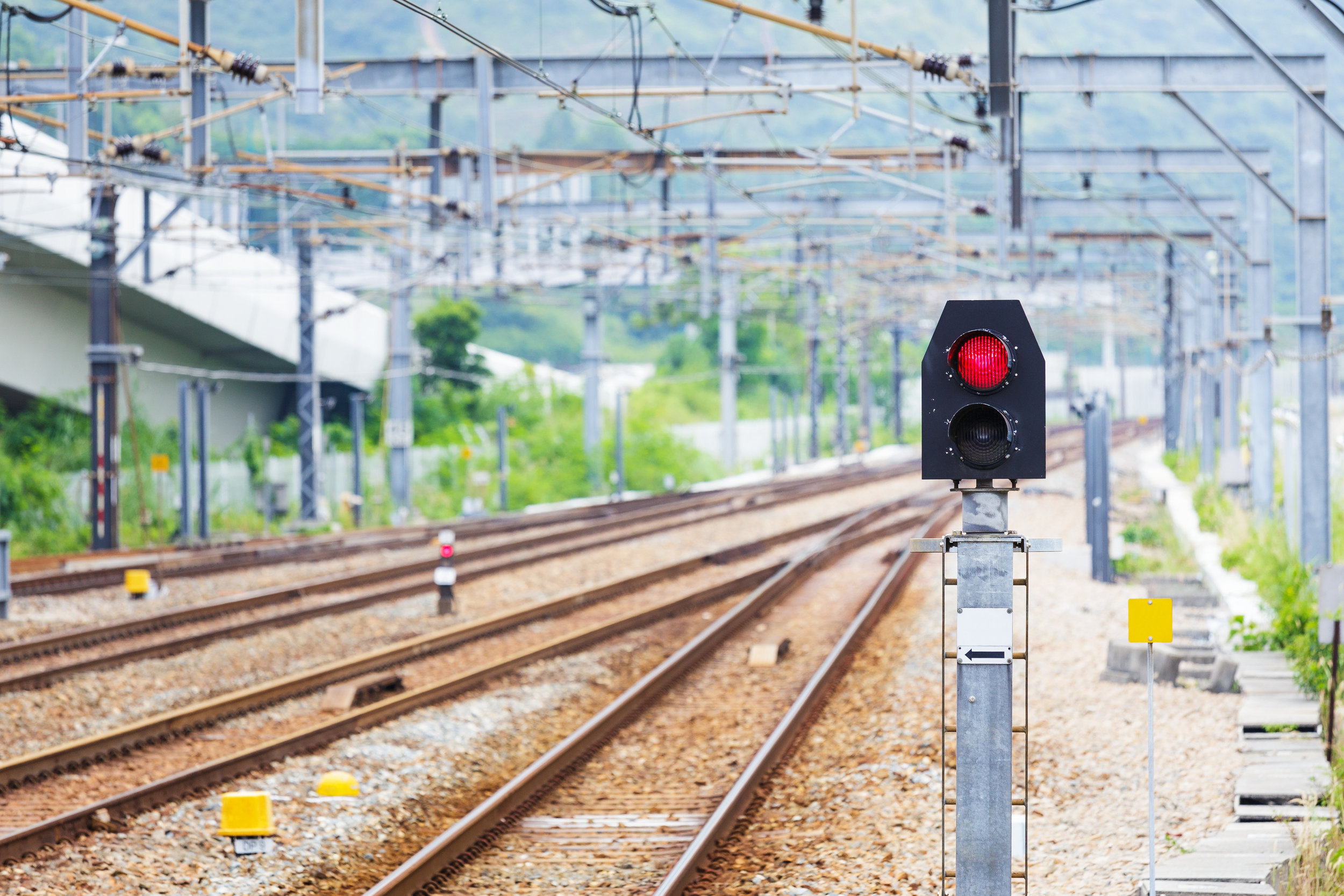 photodune-5644385-train-railway-signal-light-l.jpg