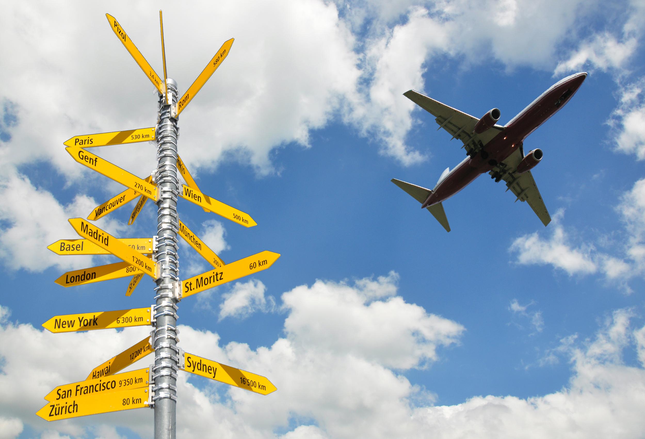 photodune-4039191-airplane-in-the-sky-m-1.JPG