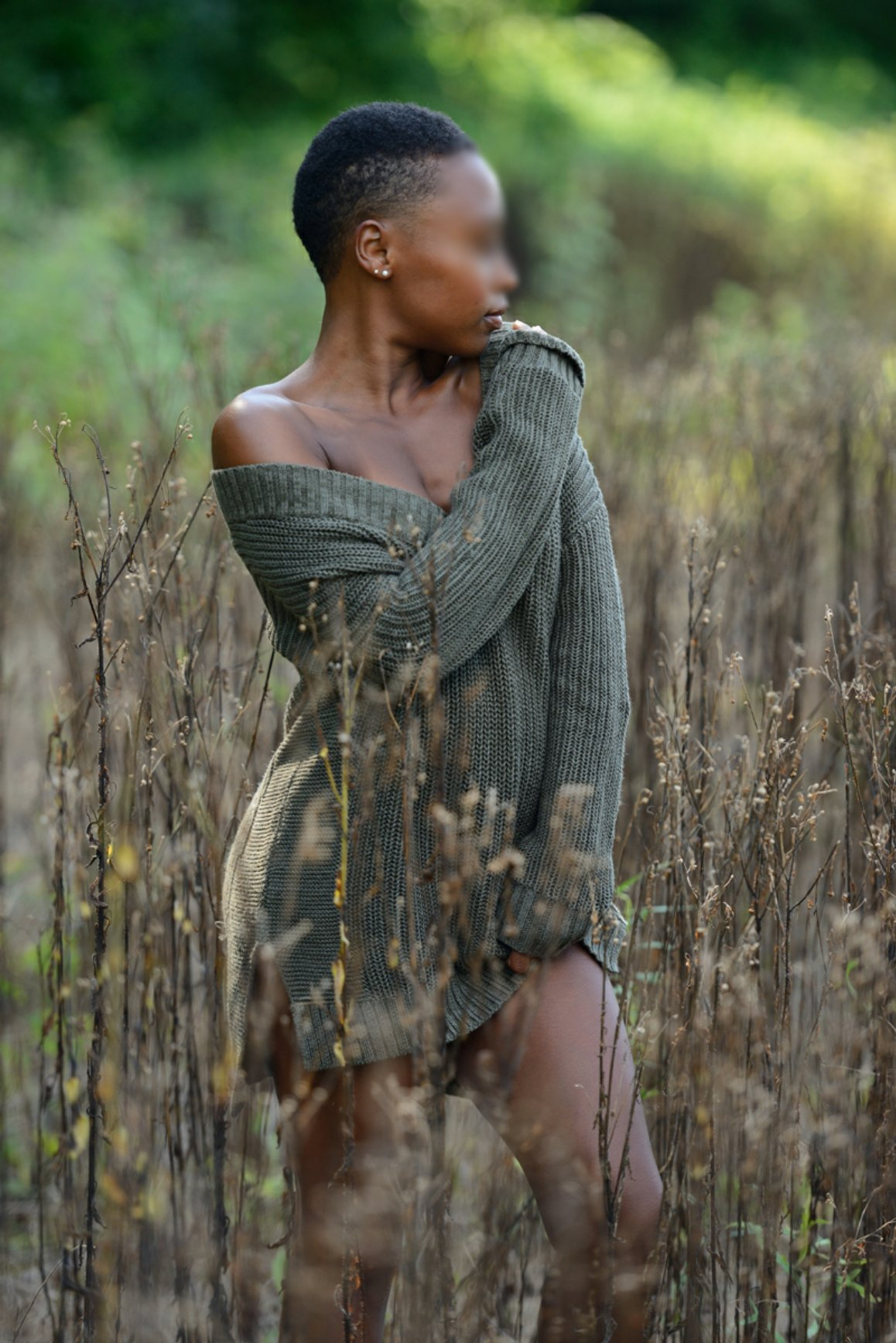 Nia Bolde fall Sweater