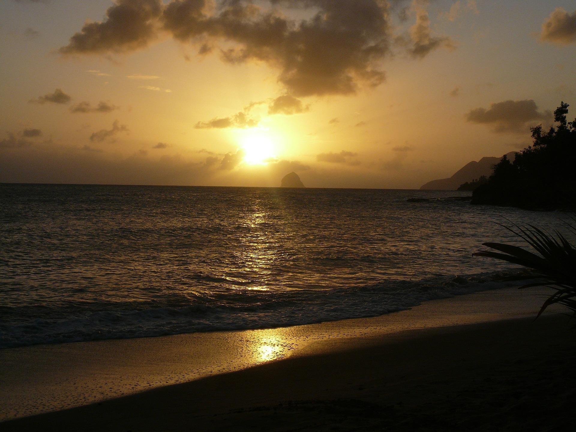 Surprise Vacation Martinique Diamant Beach Sunset