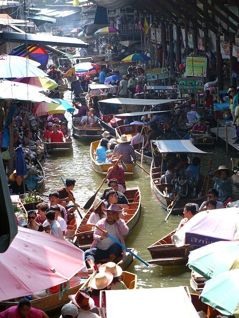 damnoen-saduak-floating-market-546272_640.jpg