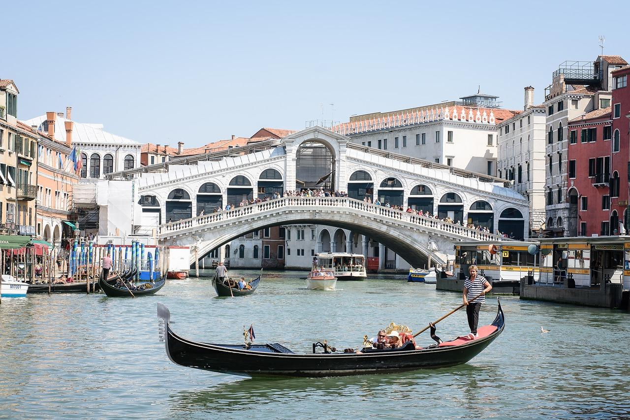 Rialto Bridge over Grand Canal, Venice