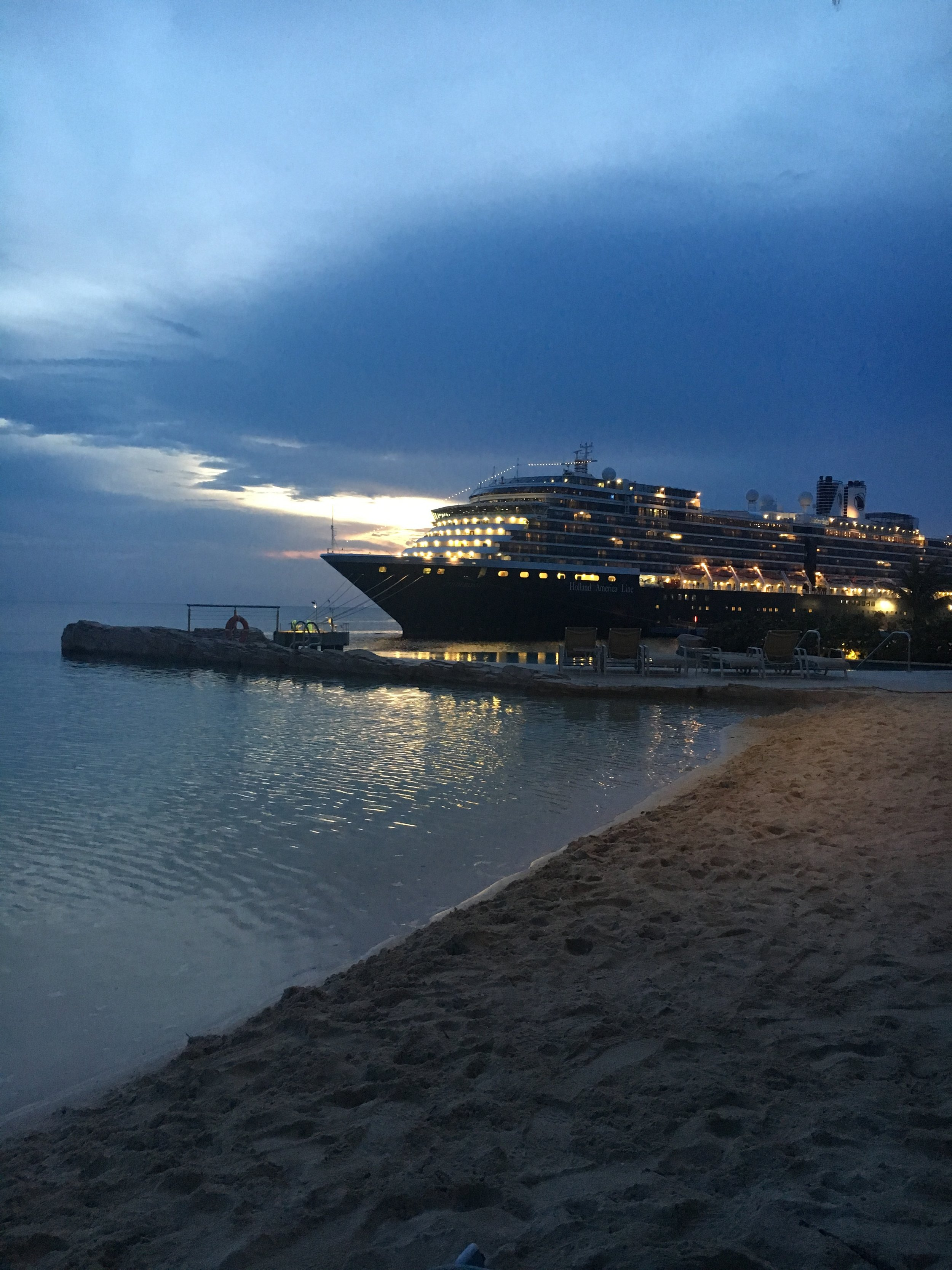 Cruise ships from the beach