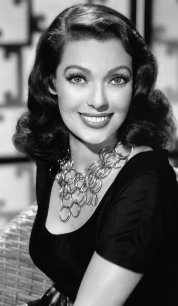 Loretta Young, The Oblong Face.