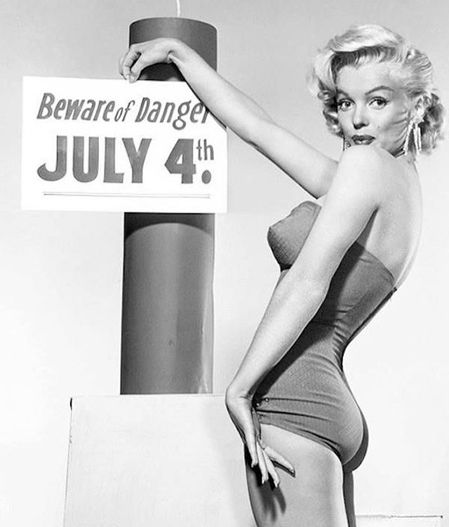 Happy 4th of July!  #westmoresofhollywood #july4th #marilynmonroe #pinup #independenceday #4thofjuly #fireworks #vintagehollywood #oldhollywoodglamour