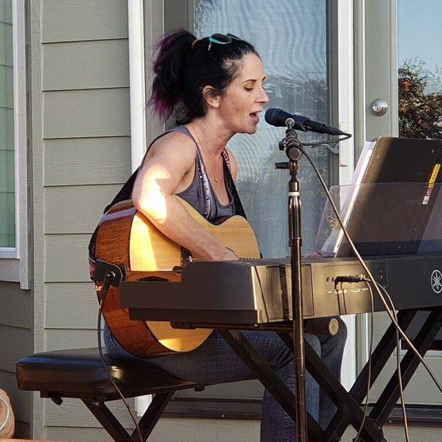 House concert for @shopnewtoyou was awesome!  What a wonderful group of people!  Plus! I got to sing with my daughter @synforevera7x and my hubby was a rock star doing sound @woodrows_fishing_adventures.  #marcellelavae #singersongwriterartist #originalsongs #localtalent #pianoguitar #newtoyou #houseconcert