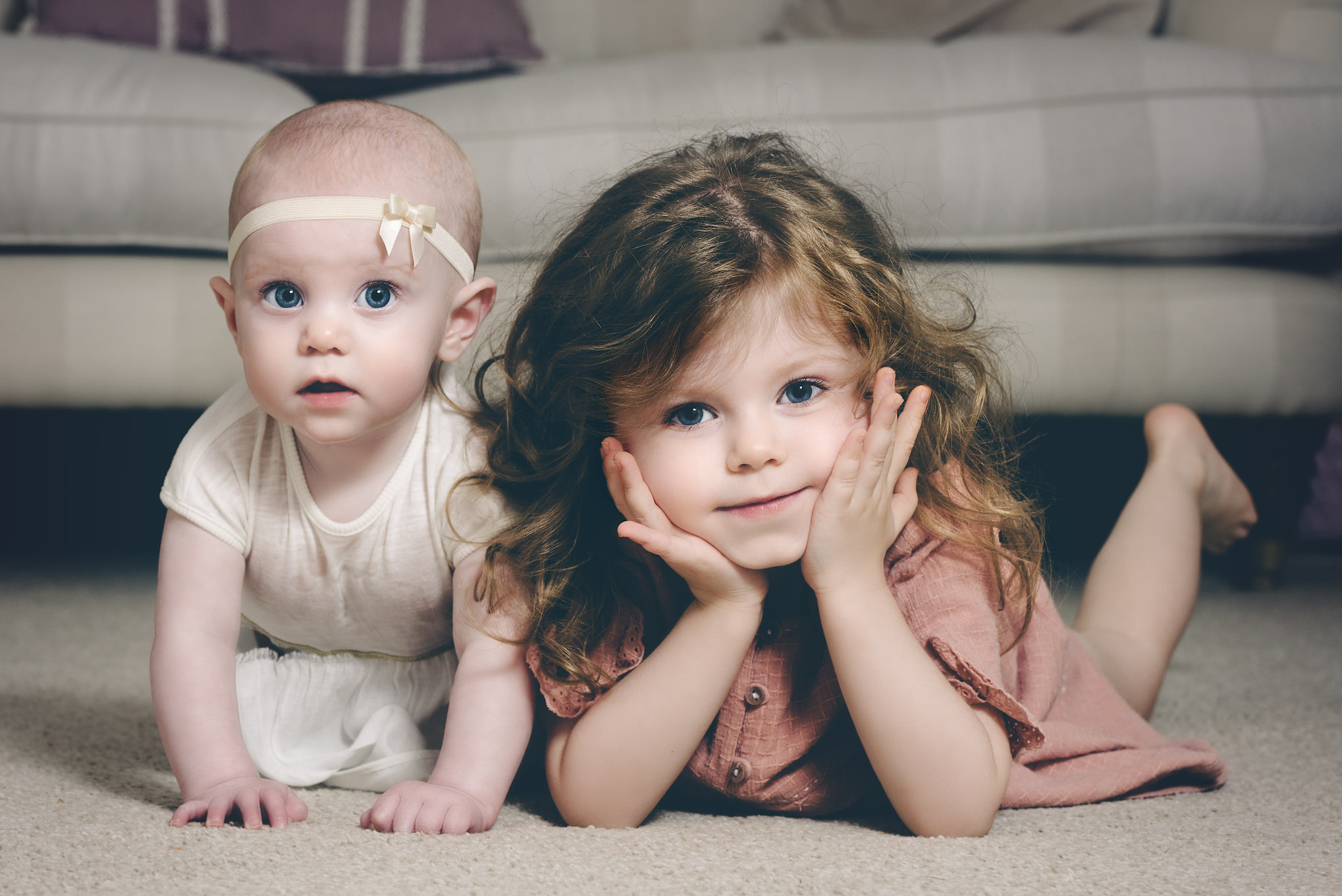 Sisters at home | Children's Photography