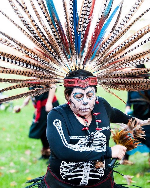 Carlos Jaramillo, founded Carrera de los Muertos while looking for a creative way to raise funds for the UNO Charter School network. His first year orchestrating the race in 2007 Carrera de los Muertos had a little over 500 runners, now the Day of the Dead race brings out over 6000 beautifully painted faces to run 18th Street in Pilsen and pay homage to Dia de los Muertos. 💀Read more about Carlos and Carrera de los Muertos on #theREVOLUTIONARIES! #linkinbio