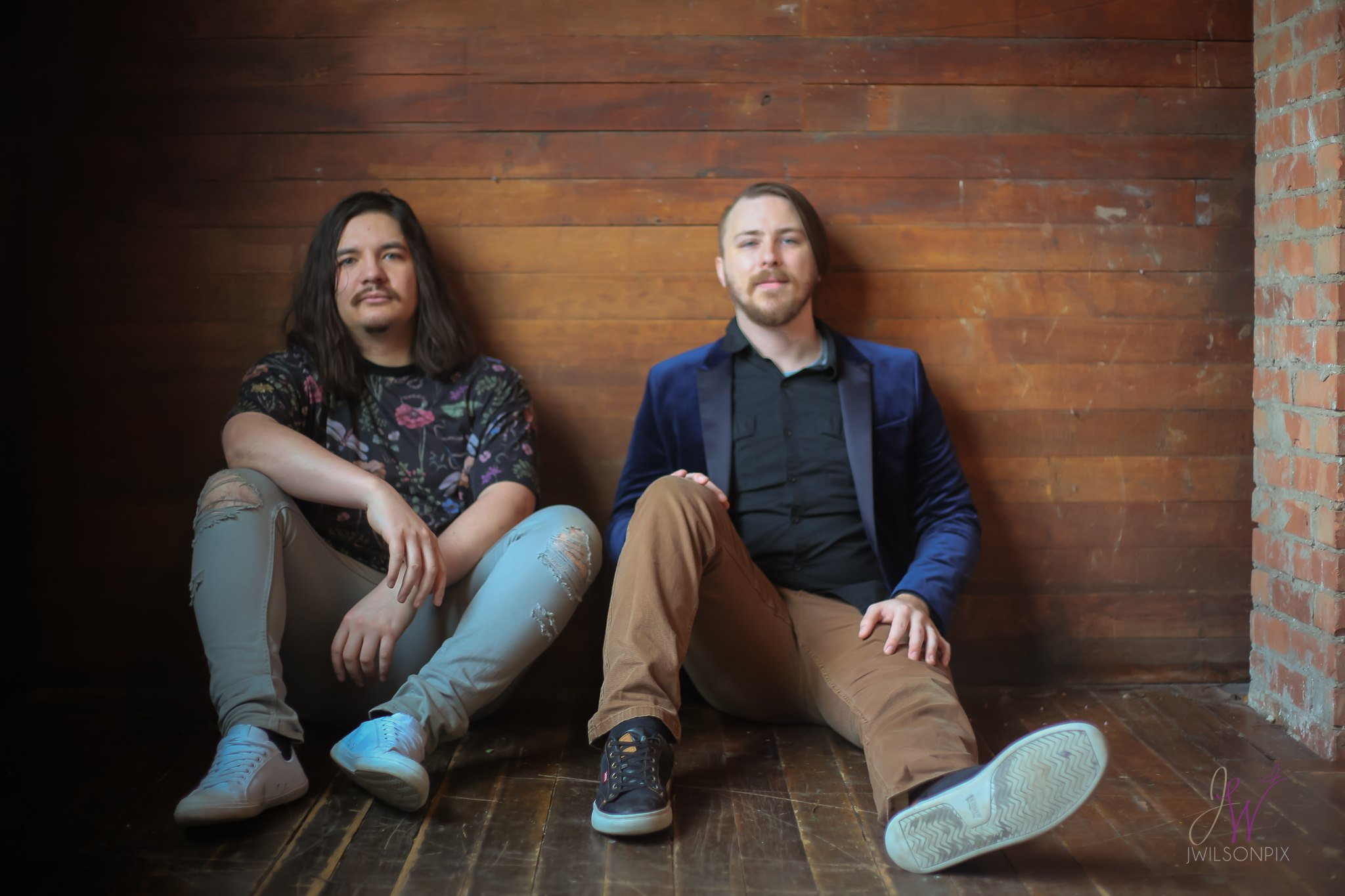 Listen to Mythic Valley Live in Ruidoso at Hunt and Harvest on Thursday, September 5, 2019.