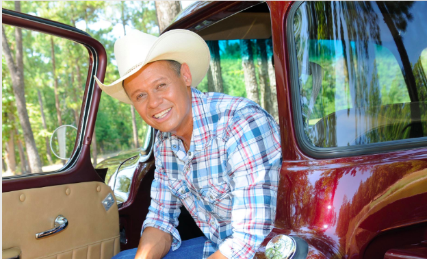Neal McCoy at Inn of the Mountain Gods