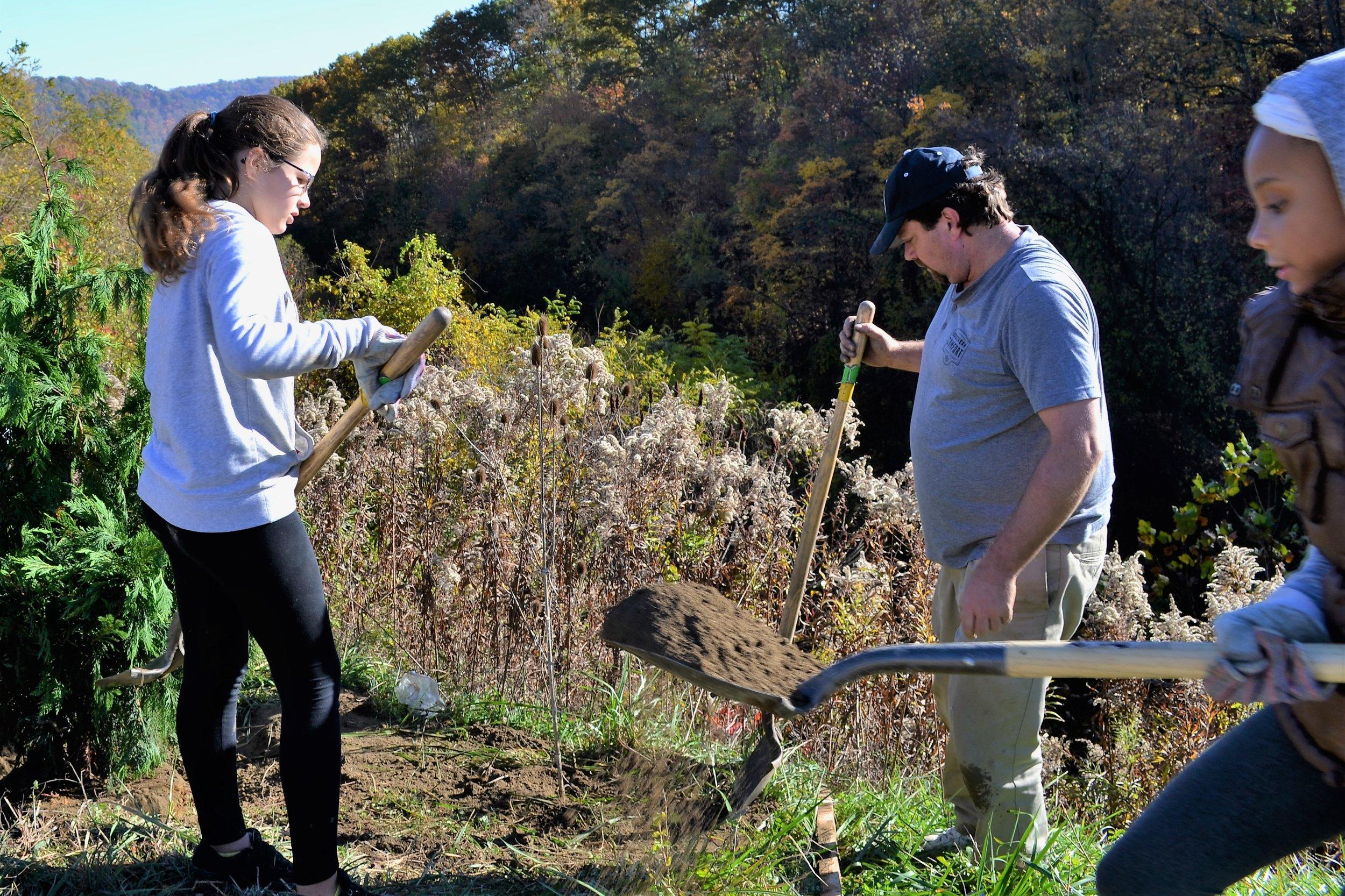 2016-11-05 Tree Planting Day (51).JPG