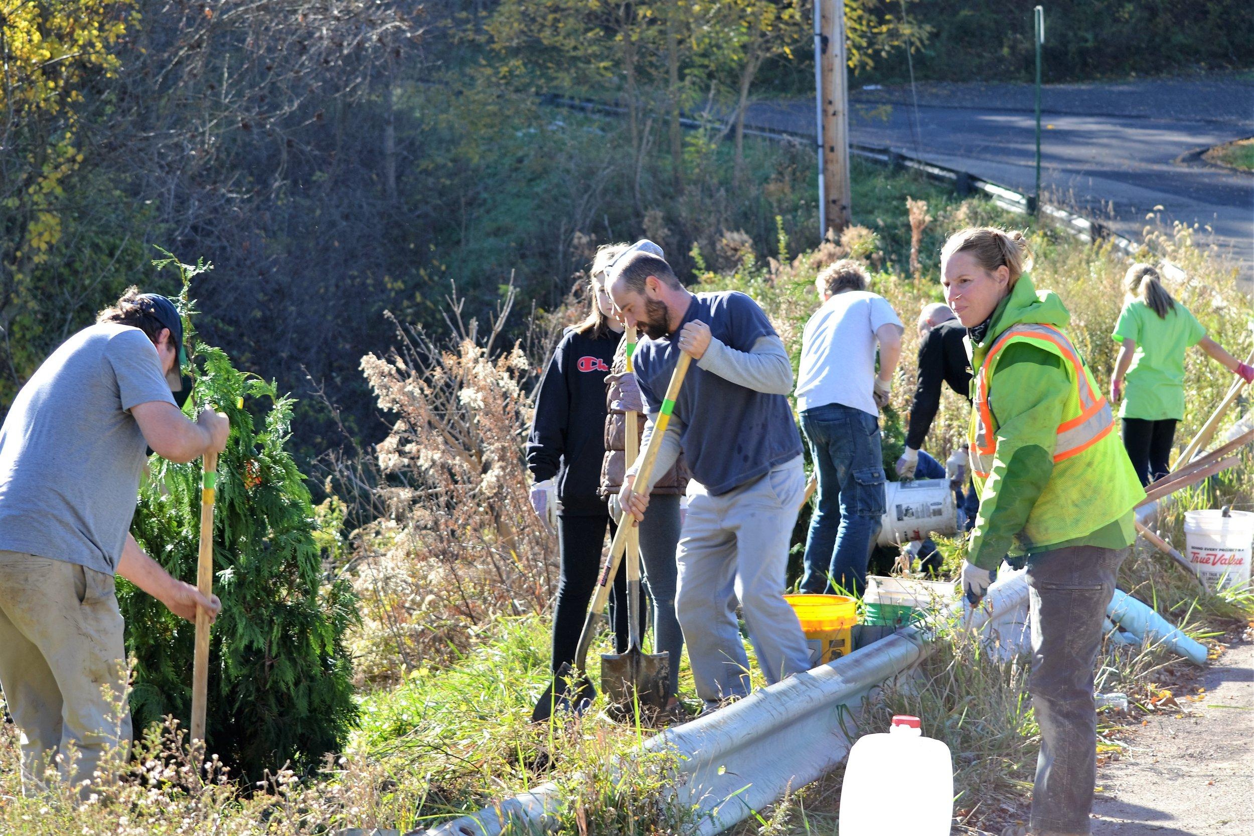2016-11-05 Tree Planting Day (76).JPG