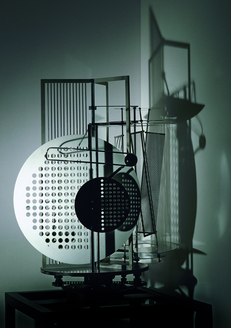 Laszlo-Moholy-Nagy_Lichtrequisit einer elektrischen_Bühne_1930-Replik-1970_Bauhaus-Archiv_Fotostudio_Bartsch_VG-Bild-Kunst