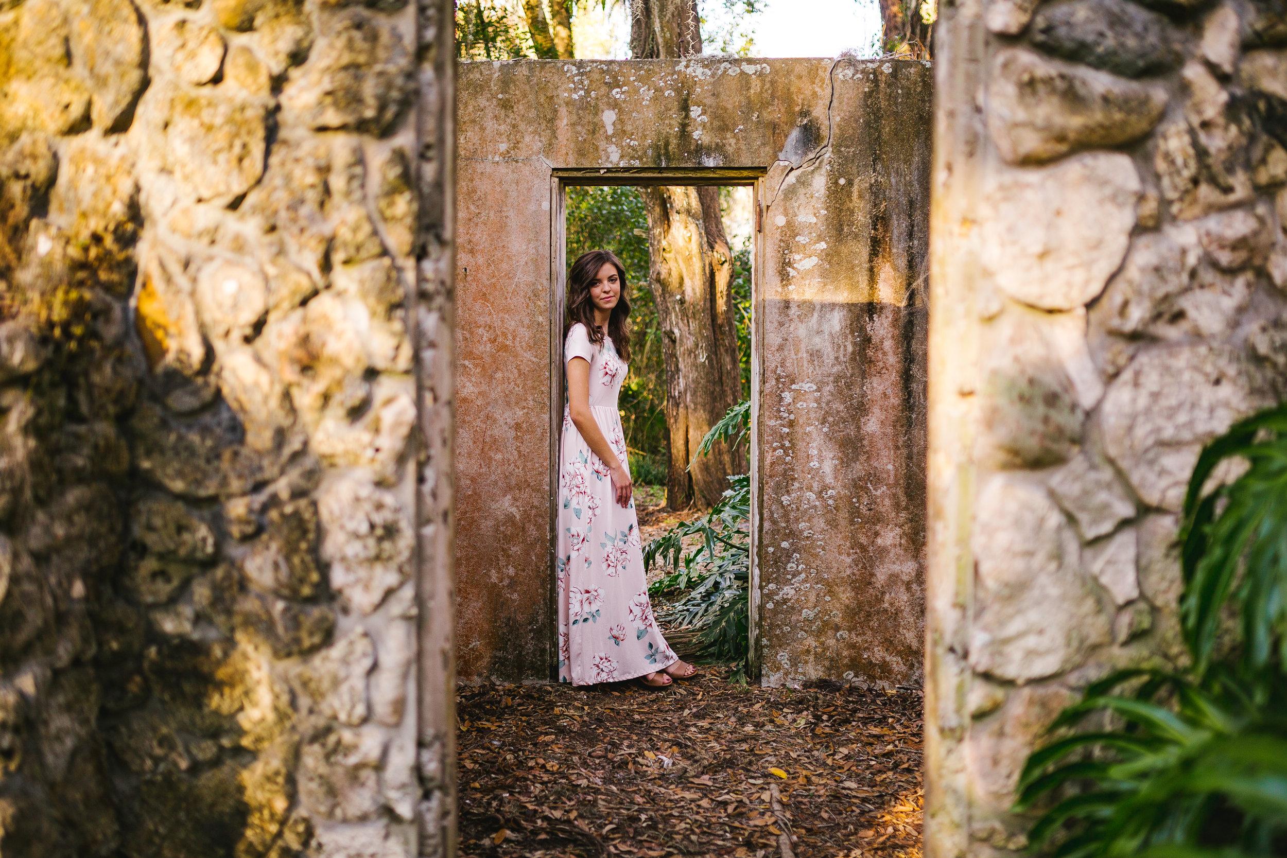 HighlightStudios-LifestyleSeniorPhotos-KaleyTaylor-62.jpg