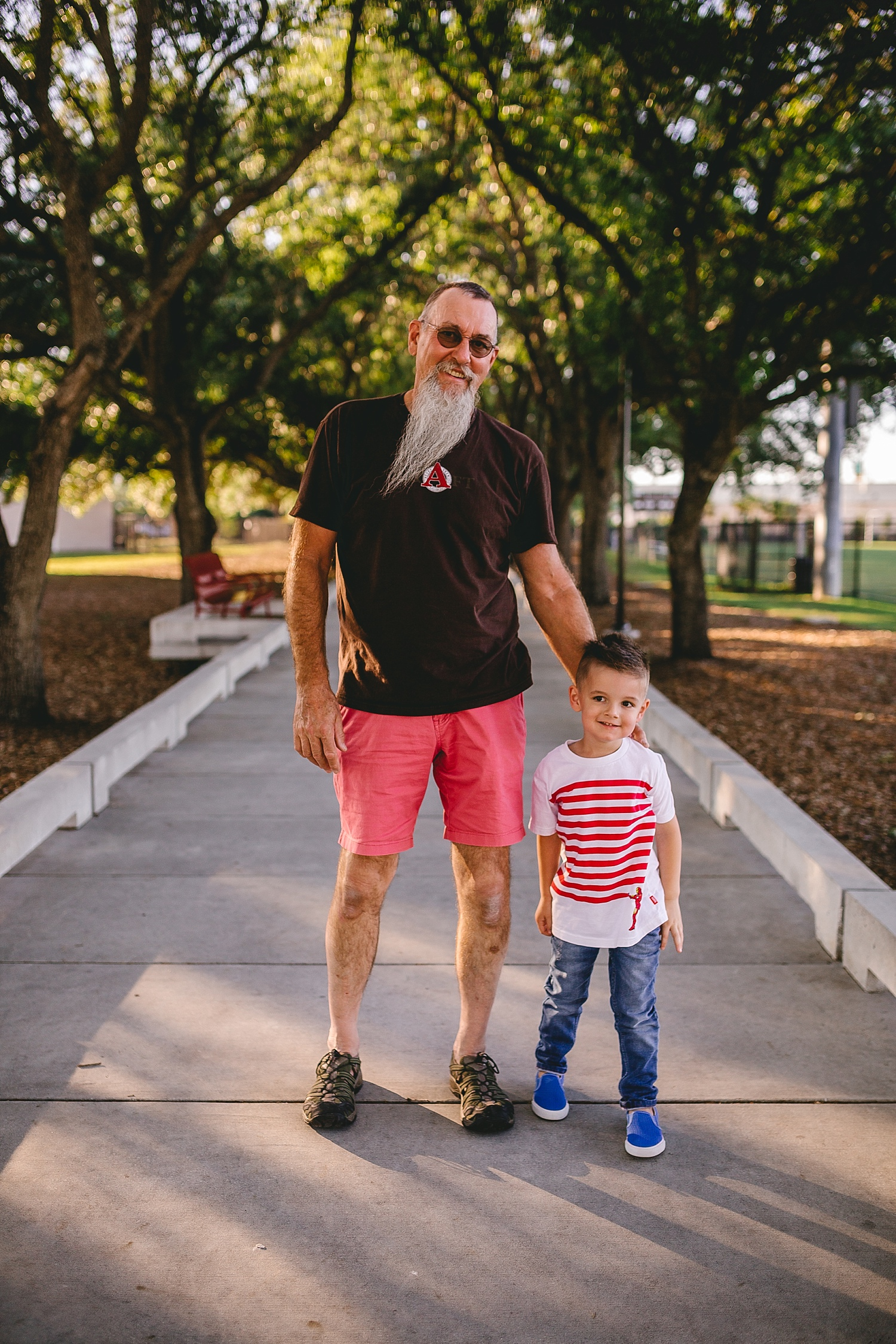 A walking family session in Downtown Tampa_0409.jpg