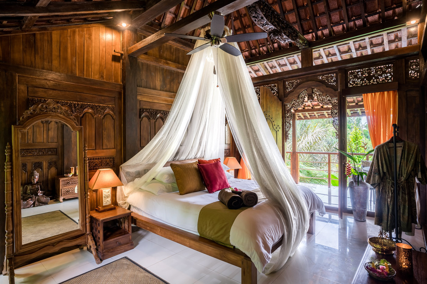 Villa-Tiga-&-Lima-bedroom-Maria-4-(Custom).jpg