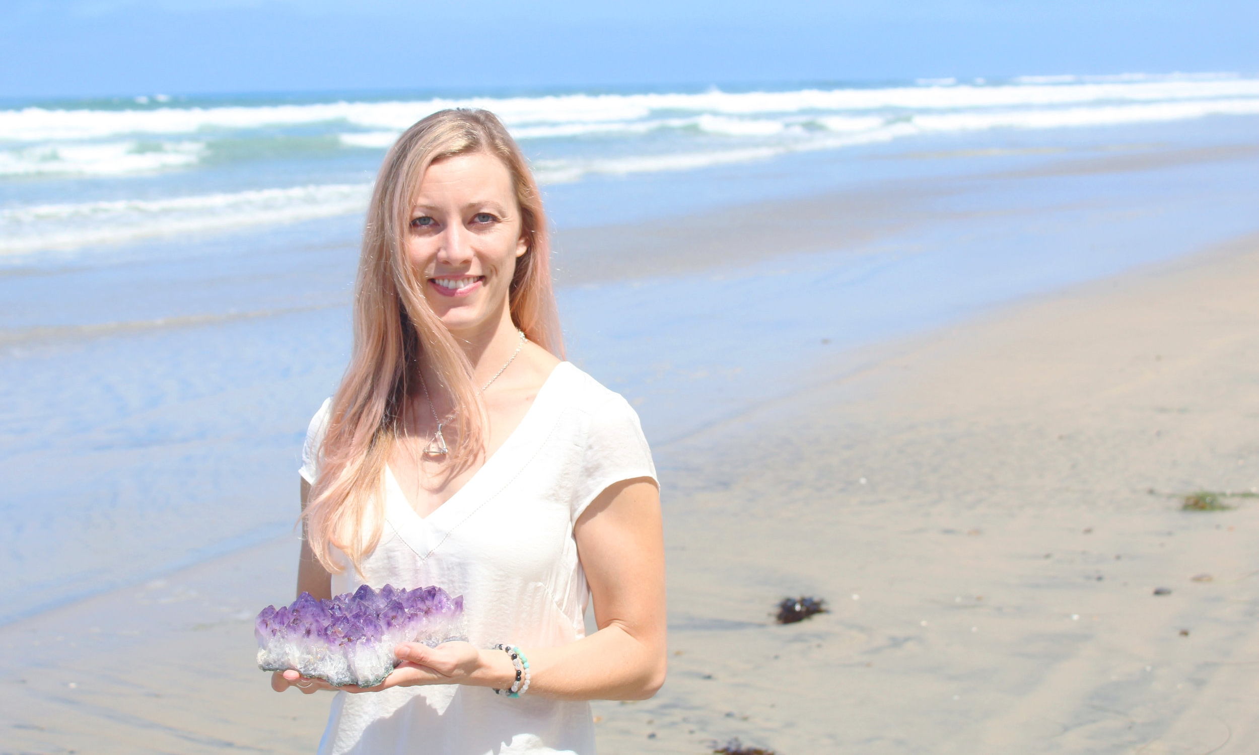 Jess Kay - 15-minute Crystal Readings ($20)Certified Crystal Healer and Certified ThetaHealer (energy work), utilizing crystals and energy for emotional and physical healing. Teaching and empowering others about crystals and energy is her