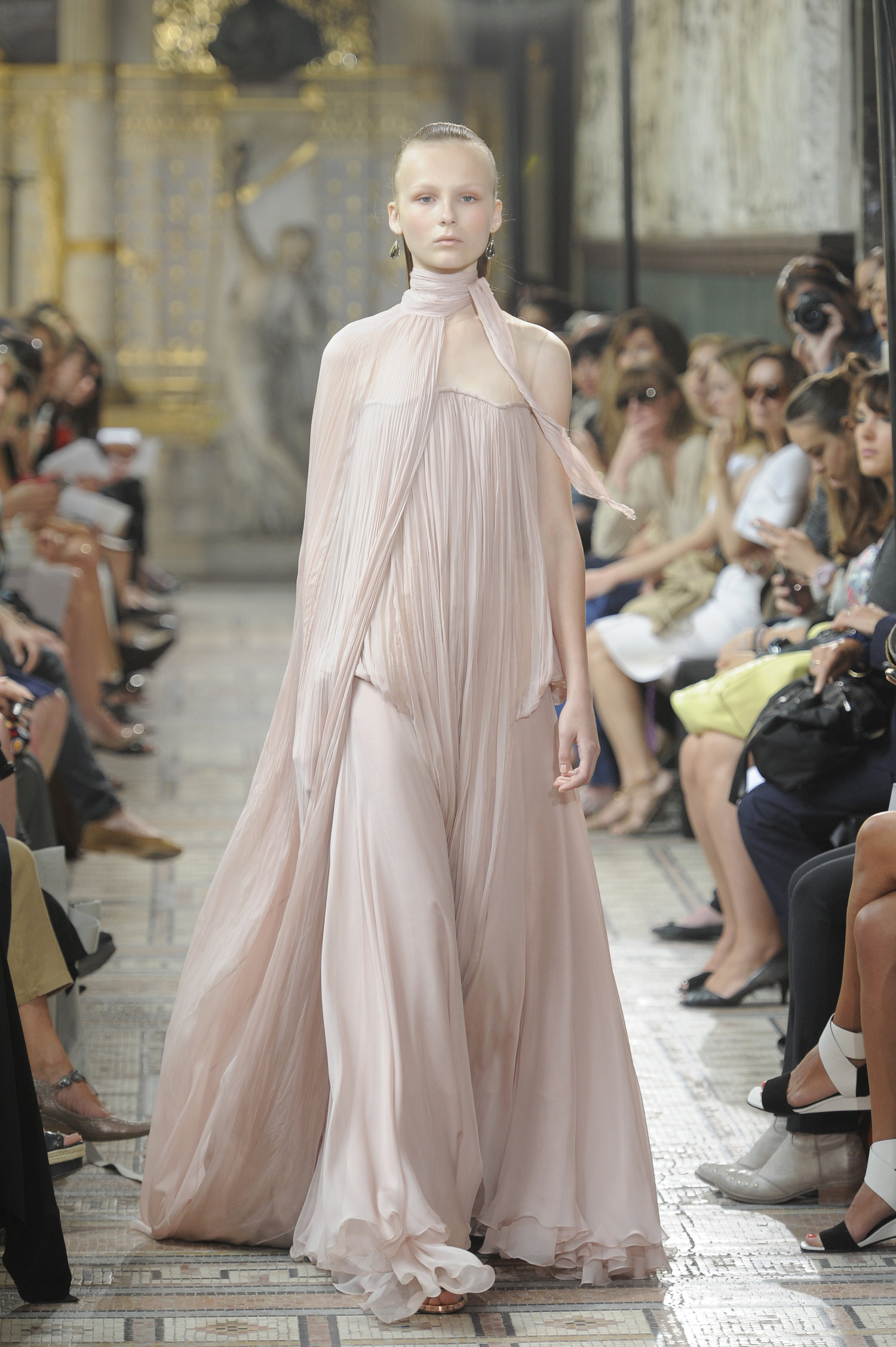 christophe-josse-couture-fw13-14-look-17.jpg