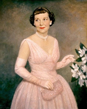 Portrait of First Lady Mamie Doud Eisenhower by Thomas Edgar Stephens, ca. 1959-1961, wearing her 1953 inaugural gown and holding Leiber's clutch.