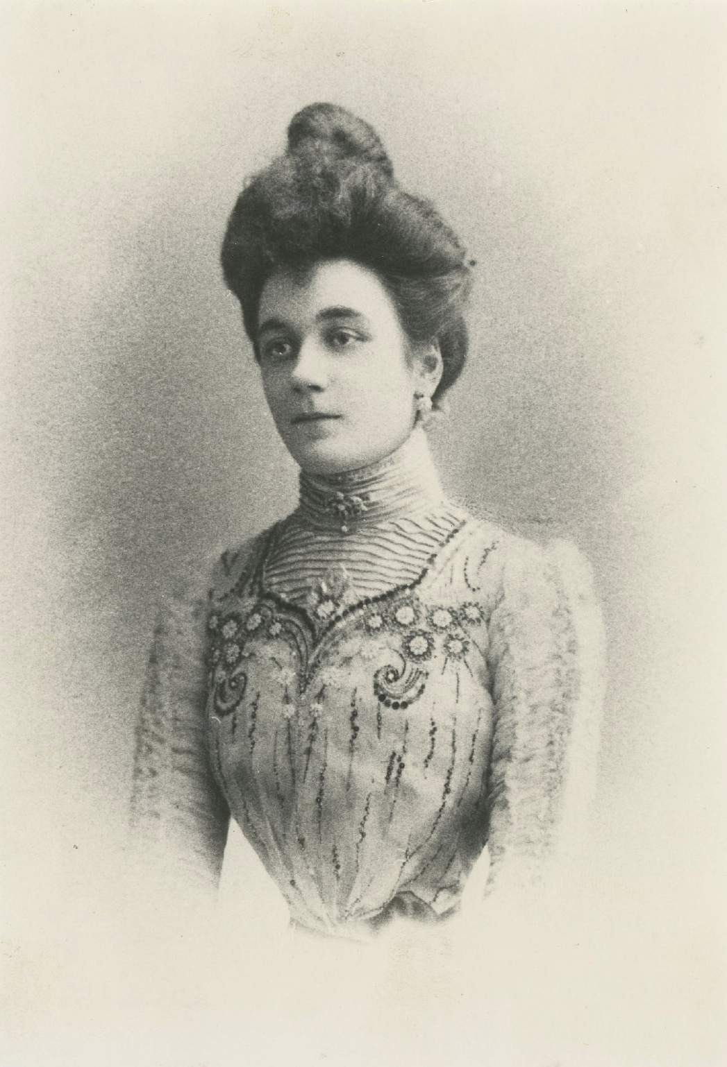 Madeleine Dior, vers 1900 ©Musée Christian Dior.jpg